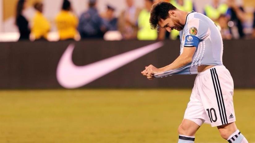 Lionel Messi renuncia a la Selección Argentina tras perder la final