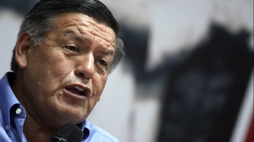 Poder Judicial abre proceso penal a César Acuña por plagio de libro