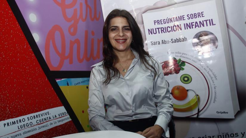 FOTOS. FIL 2016: Sara Abu Sabbah presenta libro sobre nutrición infantil