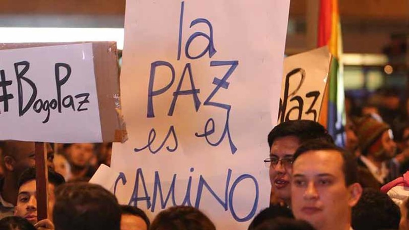 Colombianos celebran en las calles el acuerdo de paz con las FARC