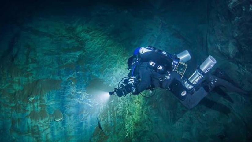 Descubren la cueva subuática más profunda del mundo