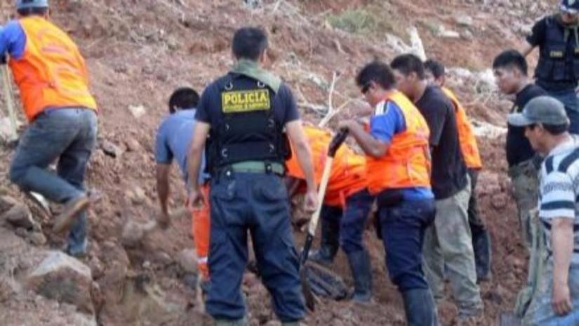 Caravelí: Ocho mineros atrapados en socavón por caída de huaico