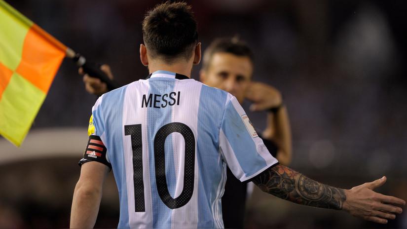 Lionel Messi se defendió ante la FIFA diciendo que insultó al aire