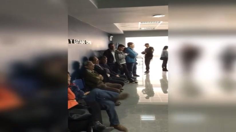 Ciudadanos indignados reportaron largas colas en sedes de RENIEC