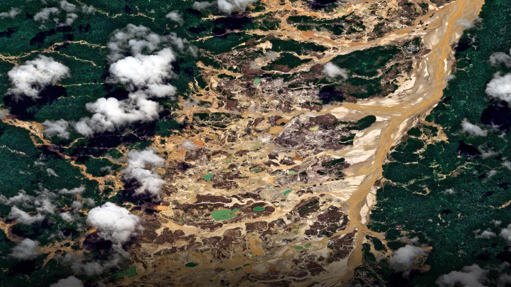 Las fotos del satélite Peru SAT en un año de periplo espacial