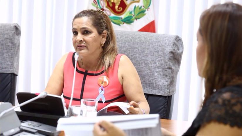 Congresista Maritza García justificó agresión a mujeres en ciertas circunstancias