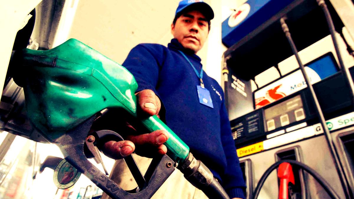 Gutiérrez: Desde 2011 peruanos pagamos combustibles más caros