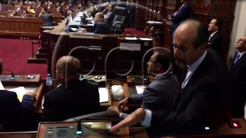 Muricio Mulder y Jorge del Castillo se insultaron en el Pleno del Congreso