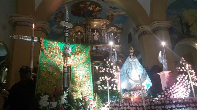 Miles de fieles veneran a la Virgen de la Puerta de Otuzco en Trujillo