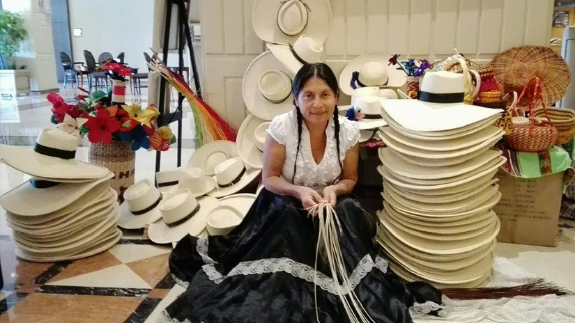 Mujer piurana enfrentó los desastres del norte y da trabajo a más mujeres  28f959bc3ab