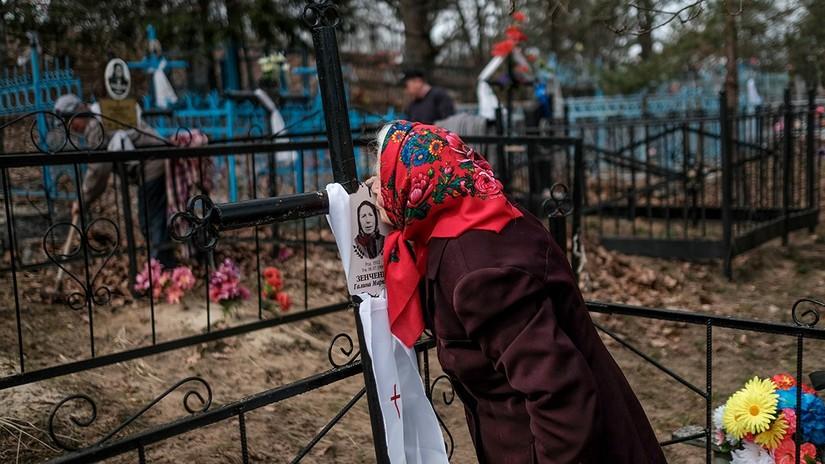 Los ortodoxos retan la radioactividad y visitan los cementerios cerca a Chernóbil