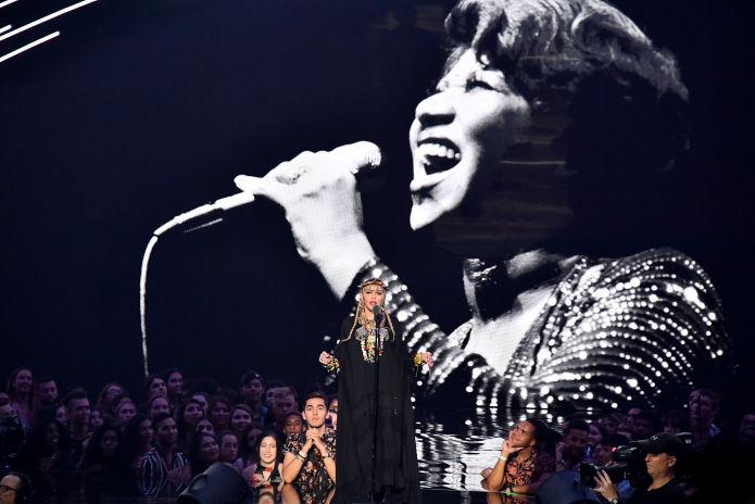 Madonna es cuestionada por tributo a Aretha Franklin en los MTV Video Music Awards