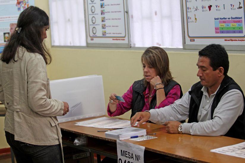La ausencia de autoridades femeninas: Solo una mujer como virtual alcaldesa en Lima Metropolitana
