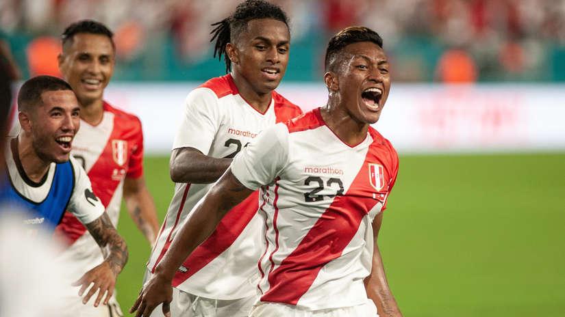 Facebook: Perú vs. Chile   Los mensajes de los jugadores tras el triunfo de La Bicolor  FOTOS