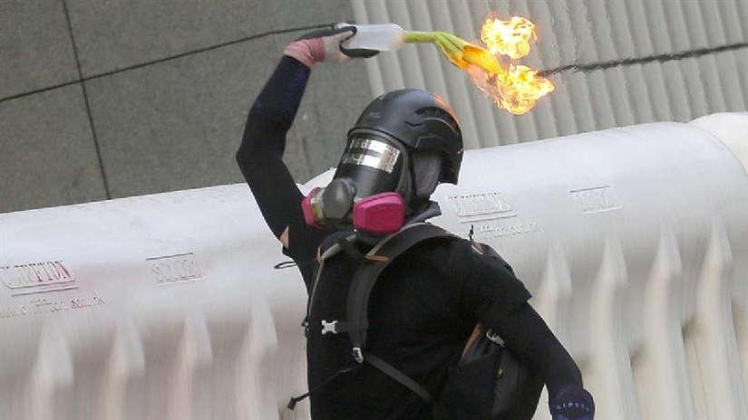 ¡No se rinden!: 15 imágenes de la multitudinaria protesta que desafió la prohibición en Hong Kong