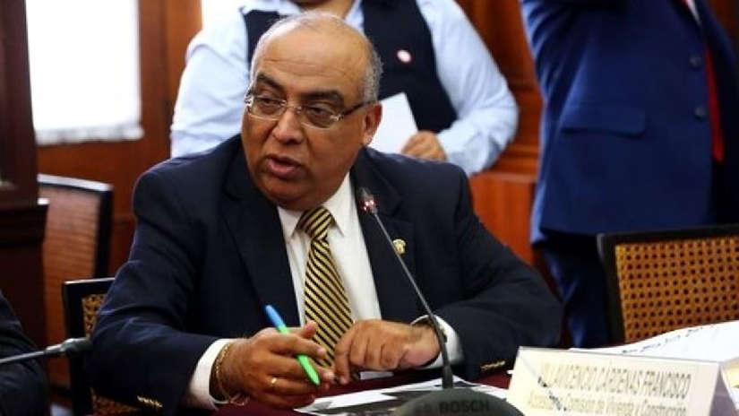 Denuncian que parlamentario viajó a evento de notarios con gastos pagados por el Congreso