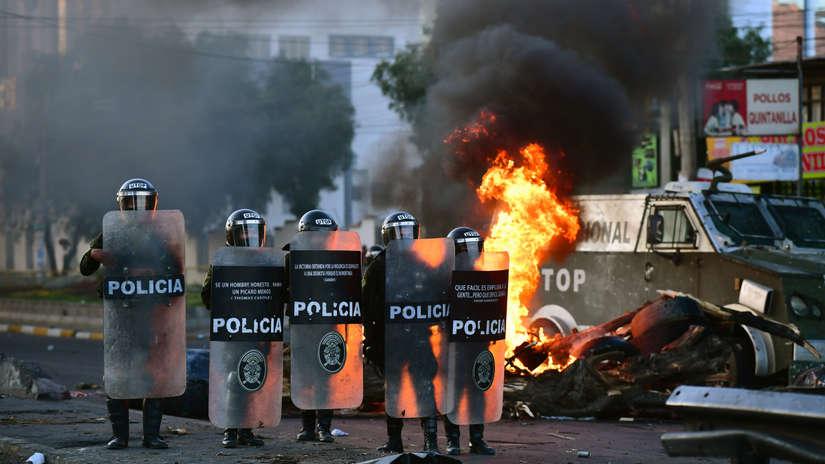 Así fue la operación militar para desbloquear una planta de combustible que dejó un muerto en Bolivia [FOTOS]