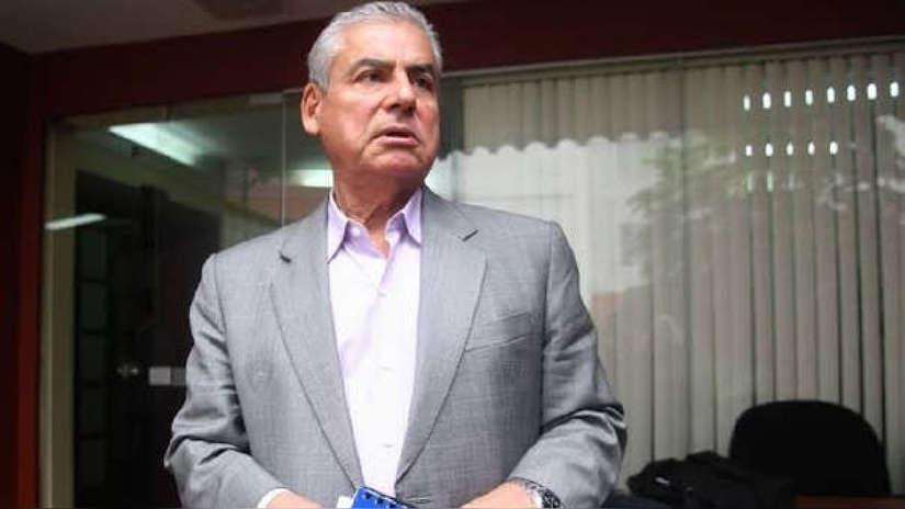 Abogado de Villanueva: Juez no puede garantizar que el Minsa atienda a expremier en prisión