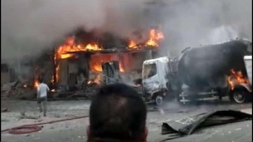 Al menos un muerto y 31 heridos tras explosión de un camión cisterna de gas en Villa El Salvador