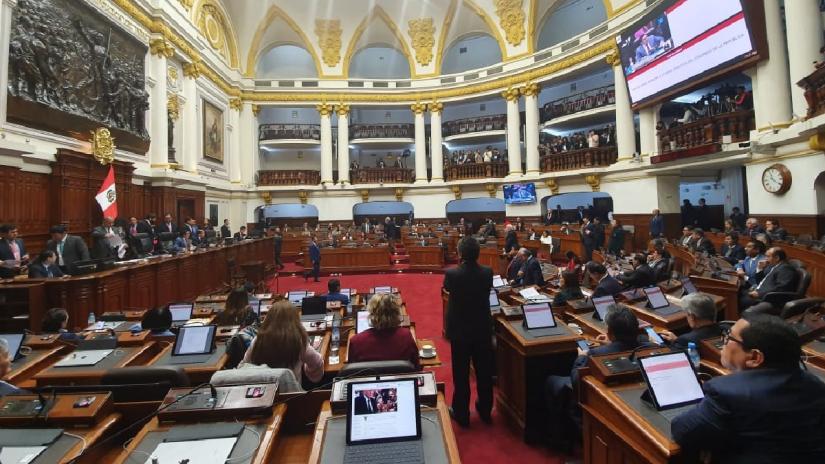 Martín Vizcarra puede convocar a pleno extraordinario para debatir prohibición de postulación a sentenciados
