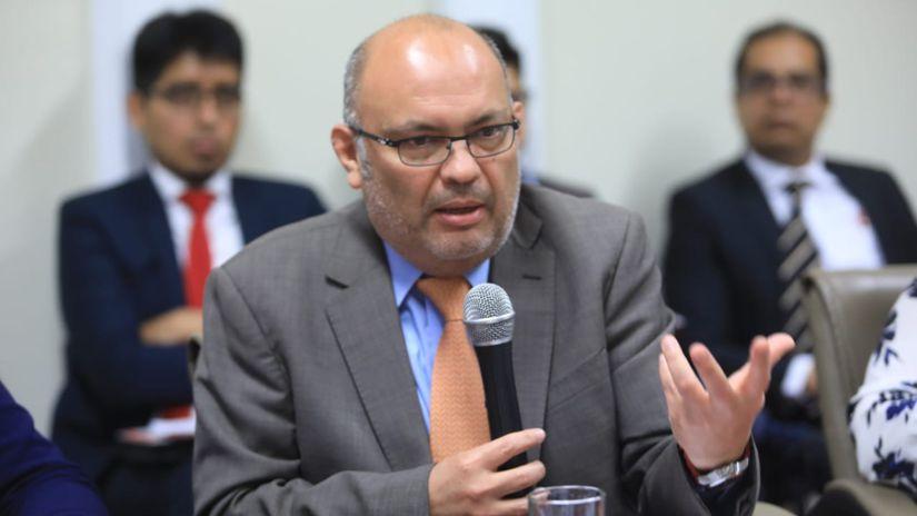 Conoce el perfil de Roberto Pereira, el abogado que defenderá a Martín Vizcarra ante el Congreso