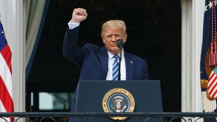 Donald Trump ya no contagia la COVID-19, afirma su médico