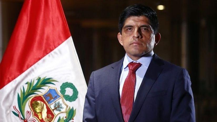 Ministro Juan Carrasco presenta su renuncia a la Fiscalía