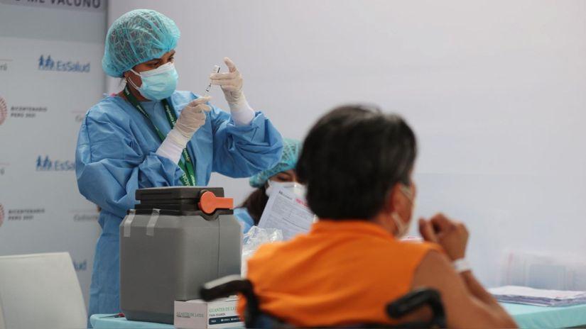 """Hernando Cevallos: """"Esperamos tener en septiembre alrededor del 60 % de la población vacunada"""""""