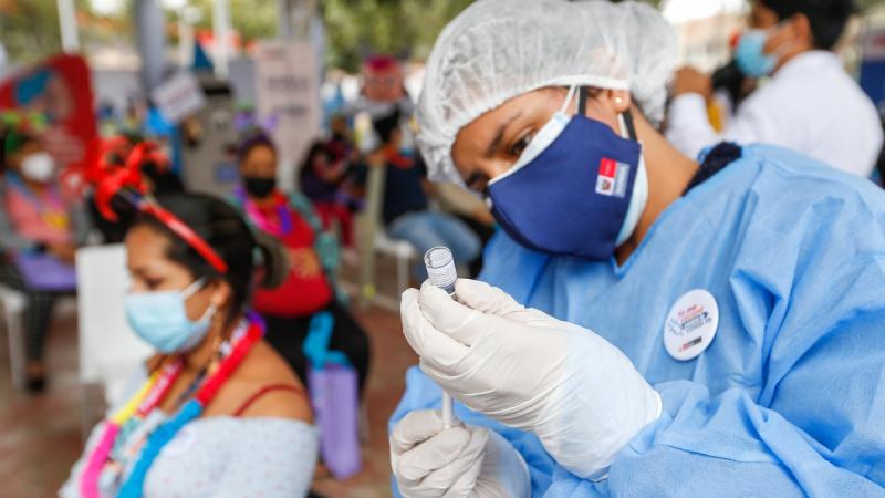 Gobierno firmó nuevos contratos por un total de 63 millones de vacunas de Pfizer, Moderna y Sinopharm