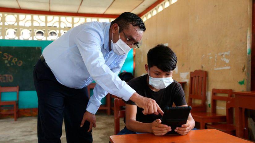 Unicef insta a Perú a reabrir las escuelas antes de fin de año: