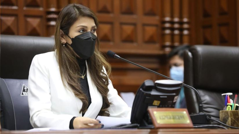 Lady Camones: Es importante que se renegocie el contrato de gas de Camisea, pero sujetándose a la Constitución