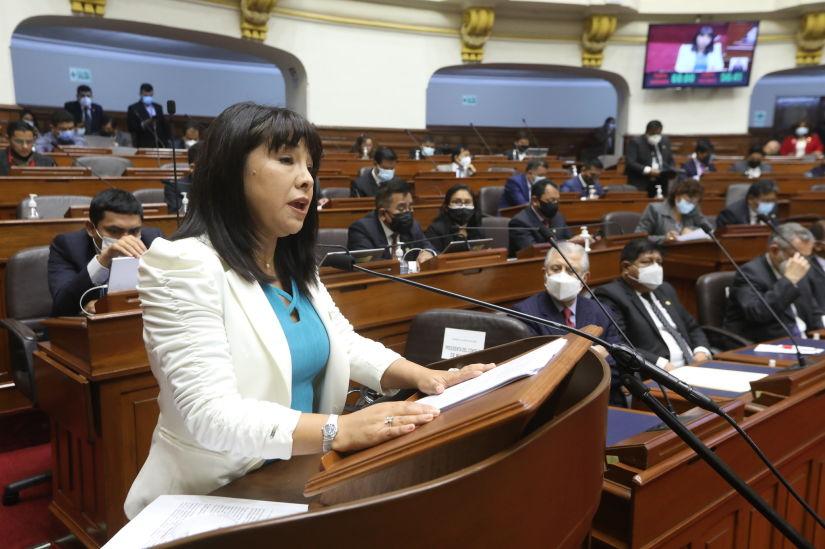 Mirtha Vásquez: Cambio de ministros