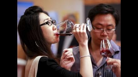 Vino tinto puede prevenir enfermedades oculares