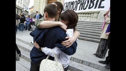 Pareja homosexual logra inscribir a bebé como su hijo en Argentina