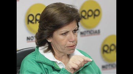 Flores Nano denunciará ante Consejo de la Prensa y JNE interceptación