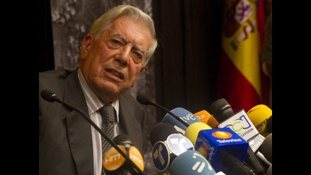 Traductor francés de Vargas Llosa celebra Nobel de un genio absoluto