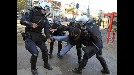 Belgrado: Enfrentamiento ente homófobos y policías causa 57 heridos