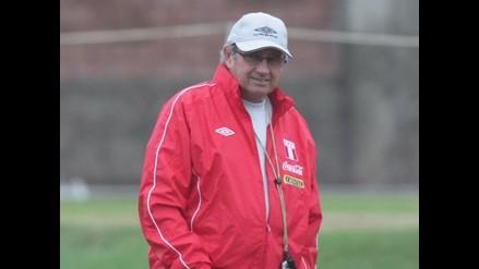 Markarián elogió el trabajo del DT panameño Julio Dely Valdés