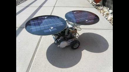 Construyen LEGO robots que funcionan con energía solar