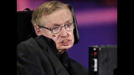 Stephen Hawking revela que recien pudo aprender a leer a los 8 años