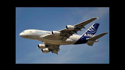 Aviones militares escoltan aeronave de Emiratos Árabes a Nueva York