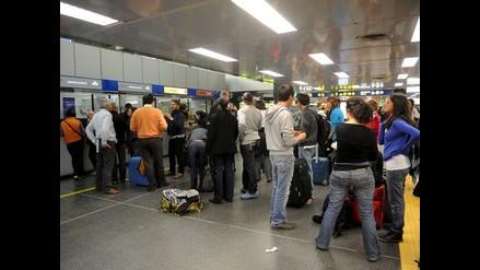 Escáneres corporales en aeropuertos no representan peligro a la salud