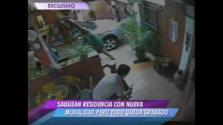 Ladrones son grabados cuando saqueaban vivienda en Santiago de Surco