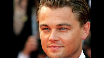 Bello rostro de Leonardo DiCaprio seguro por dos años más