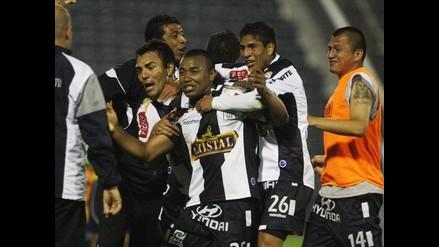 Alianza Lima derrota 2-1 a Total Chalaco y mantiene chances coperas