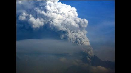 Cientos huyen de río de barro y ceniza causados por erupciones de Merapi