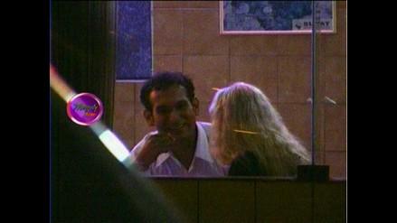 Susy Díaz ampayada con un desconocido en restaurante miraflorino