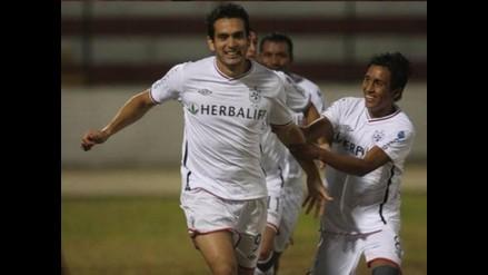 Herber Arriola fue premiado por ser goleador del Torneo Descentralizado