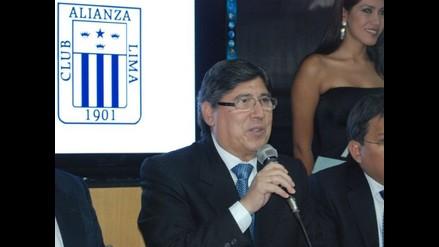 Guillermo Alarcón descartó la continuidad de Walter Vílchez