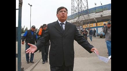 Alianza Lima no podía pagar el sueldo de Walter Vílchez, afirma Alarcón